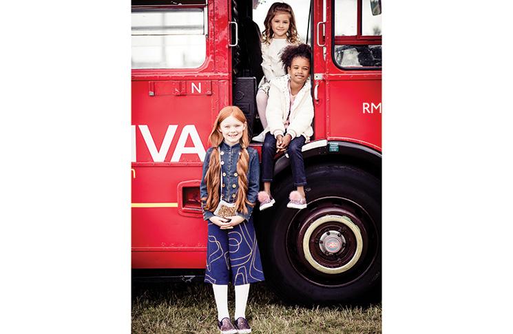 009-Routemaster-fashion-eddie-judd-photography-PRINTfiles