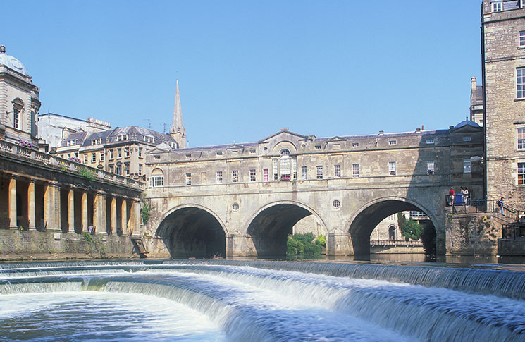 Start your river tour on Pulteney Bridge