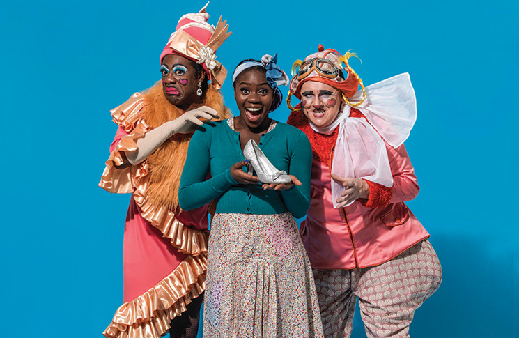 Aisha-Jawando-as-Cinderella,-and-Kat-B-and-Tony-Whittle-as-the-Ugly-Sisters-in-Hackney-Empire's-Cinderella-2017-Credit-Perou