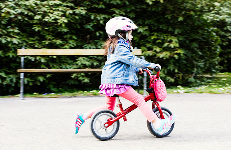 how to teach a child to ride a bike video