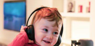 alireza-attari-unsplash-podcasts-for-kids