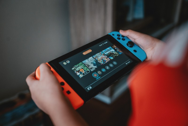 alvaro-reyes-unsplash-games-console-online-learning