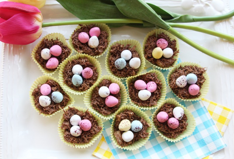 at-home-over-Easter-Nest-cakes