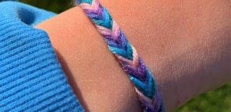 friendship-bracelets-summer-crafts-ideas