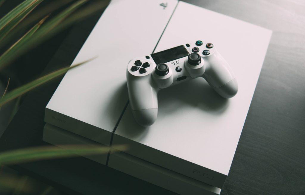 games-console-online-learning-nikita-kachanovsky-unsplash
