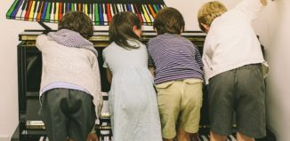 group-instrumental-music-house-for-children