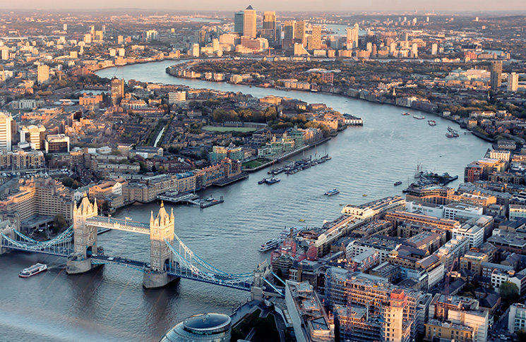 Top family hotels and attractions in London: discover a different side of the city