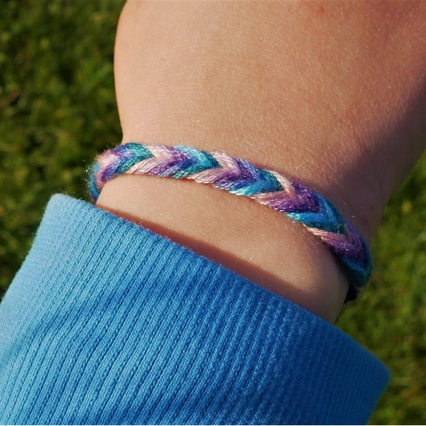 summer-craft-idea-nanny-anita-friendship-bracelet